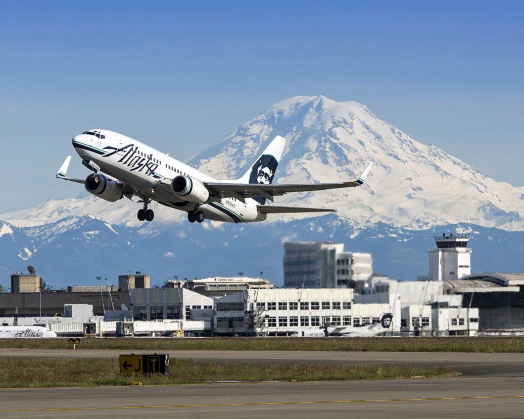 Alaska jet takes off from SEATAC. Image courtesy of Port of SeaTac
